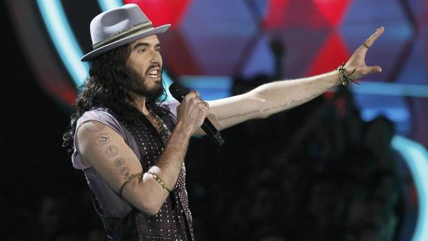 This year's MTV Movie Awards host Russell Brand takes the stage in Los Angeles on June 3, 2012. (Mario Anzuoni/REUTERS)