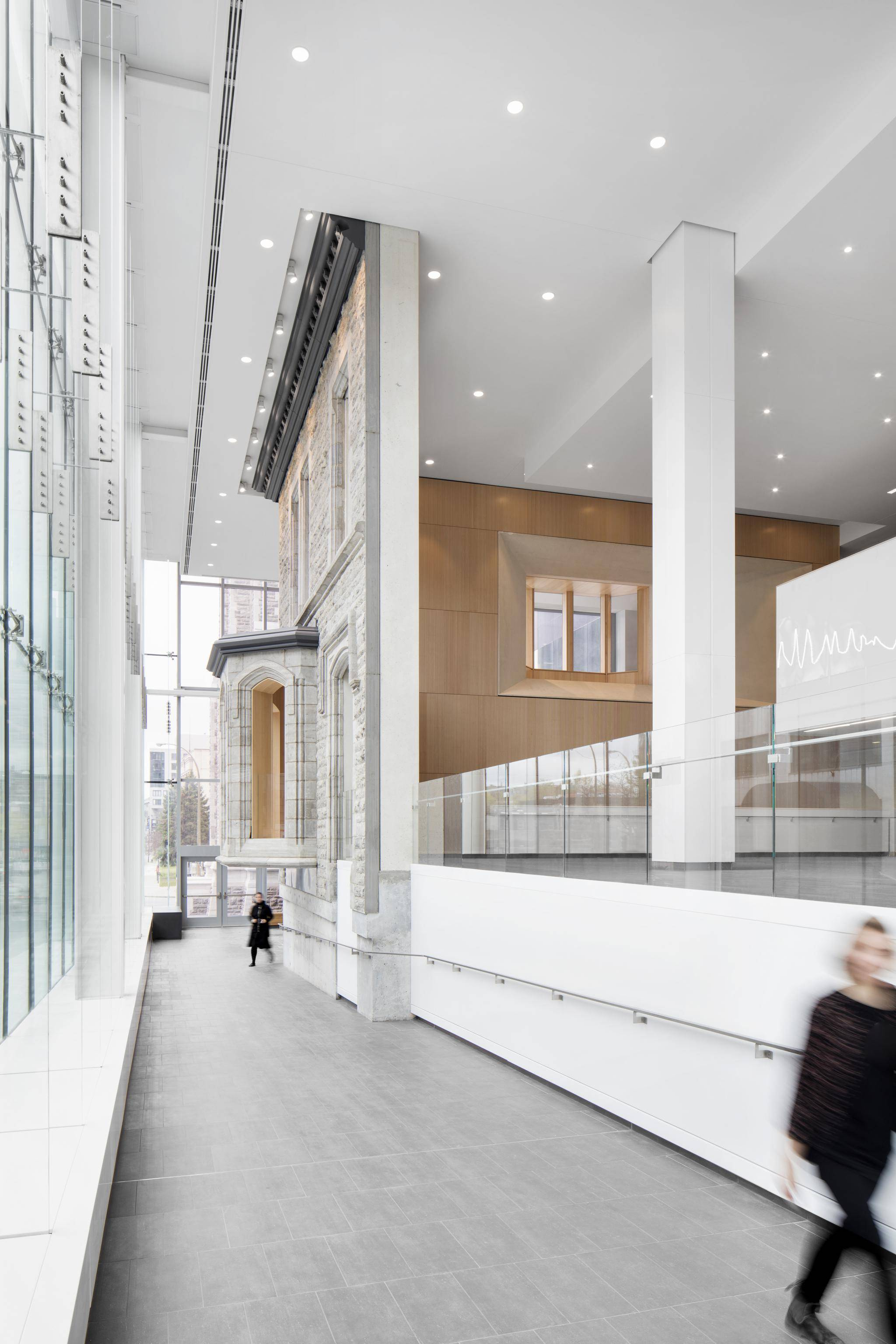 University of montreal s hospital centre puts patients first but it faces obstacles with its for Montreal interior design firms