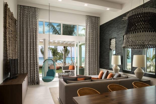 Guestrooms ending in even numbers sport the best views at the Kimpton Seafire, while odd-numbered ones offer side views of the sea.