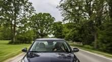 The 2014 Chevrolet Cruze Clean Turbo Diesel can go 1154 km on one tank of diesel fuel. (General Motors)