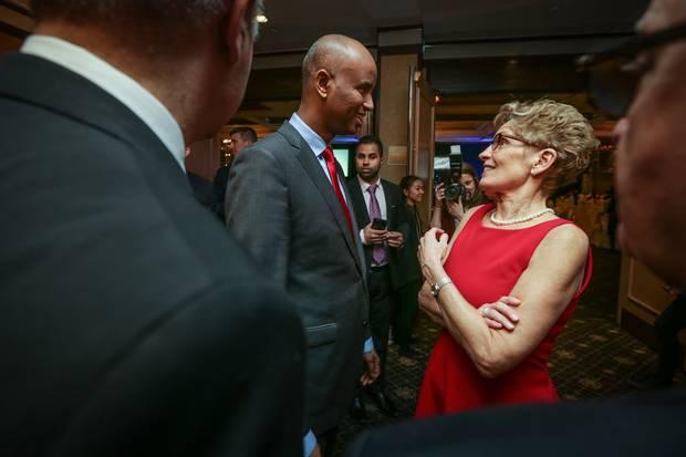 Mr. Hussen talks with Ontario Premier Kathleen Wynne at the Arirang Gala.