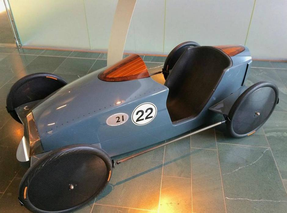 Car Manufacturers Derby Mail: Spotted: Rolls-Royce Makes A Fancy Soapbox Derby Racer