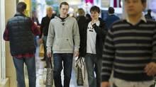 Shoppers in Toronto. (Kevin Van Paassen/Kevin Van Paassen/The Globe and Mail)