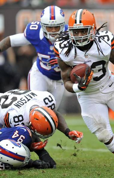 GOOD WEEK It seems running back Trent Richardson – the lone ray of sunshine on a 0-4 Browns squad – is scoring for fun, both on and off the field. Last Sunday, the 21-year-old Richardson crossed for his third touchdown of his rookie season, and his progeny was quick to follow suit, with his girlfriend giving birth to his third child on Friday. (David Richard/AP)