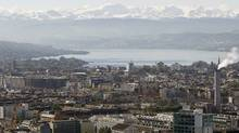 A general view shows the city of Zurich, Lake Zurich and the eastern Swiss Alps. (ARND WIEGMANN/ARND WIEGMANN/REUTERS)