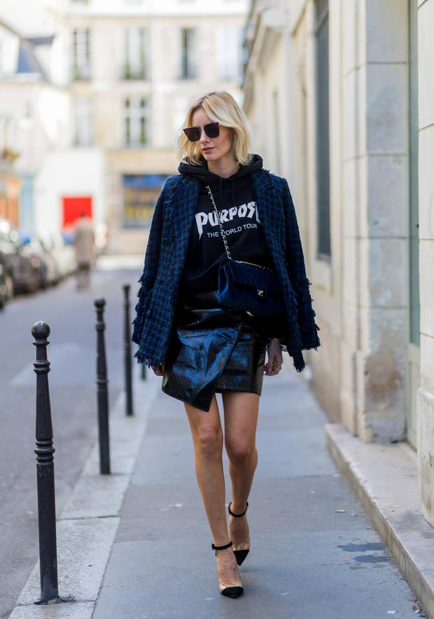 German fashion blogger Lisa Hahnbück was spotted in early October wearing a Justin Bieber Purpose Tour sweatshirt.