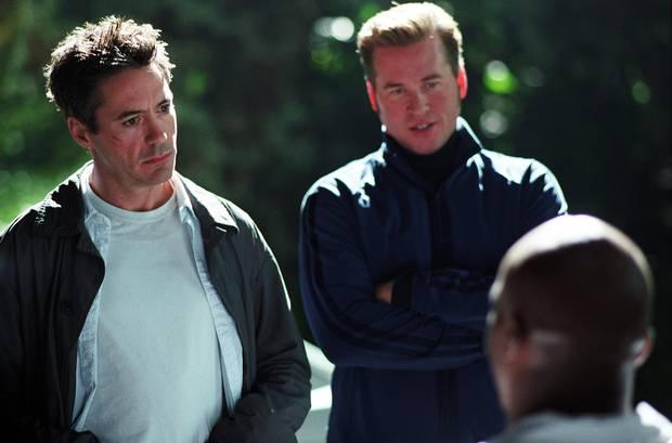Robert Downey Jr. (left) and Val Kilmer in Kiss Kiss Bang Bang.