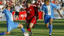 Former men's national soccer team forward Paul Peschisolido will be inducted into Canada's Soccer Hall of Fame. Peschisolido played 53 times for Canada and had a long career in England as a club pro. (file photo). (RICHARD LAM/CP)