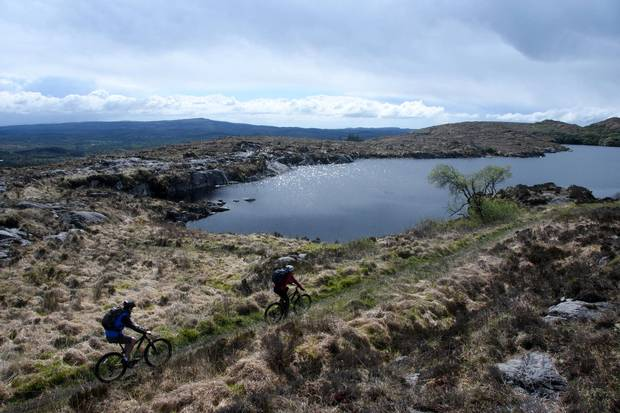 The moors above Lough Gill give cyclists long stretches of open horizon.
