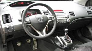 Inside the 2010 Honda Civic Si Coupe .
