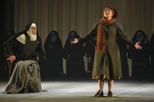 Mia Lennox and Marianne Fiset in Opéra de Montréal's production of Dialogues des Carmelites.