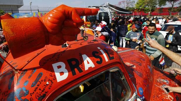 A true Netherlands soccer supporter. (IVAN ALVARADO/REUTERS)
