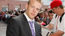Blackhawks forward Kris Versteeg has signed a three-year contract with Chicago. (Ethan Miller/2009 Getty Images)