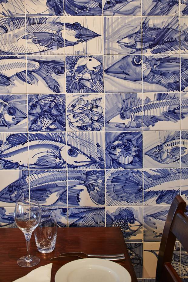 The tile mural at Casa do Polvo.