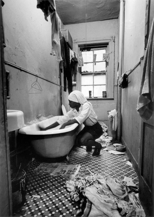 Gordon Parks's 1967 Rosie Fontenelle Cleans the Bathtub.