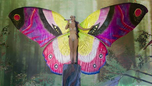 Katy Perry performs in a butterfly costume at the MMVAs. (Chris Young/The Canadian Press)