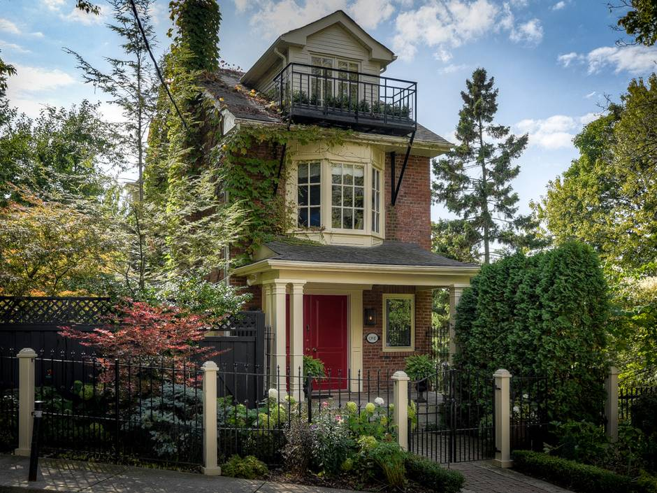 Tragically Hip Singer S House Nearly Sets Record For Riverdale