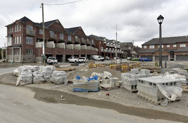 Construction of new homes in the Upper Unionville development are photographed on Oct 13 2016. The project is on the north east corner of 16th Ave and Kennedy Road in Unionville, Ont.