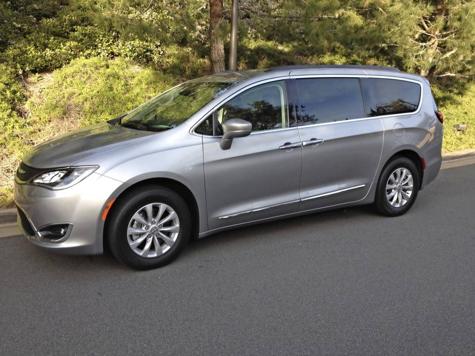 Review 2017 Chrysler Pacifica Is Mom Tested Kid Approved
