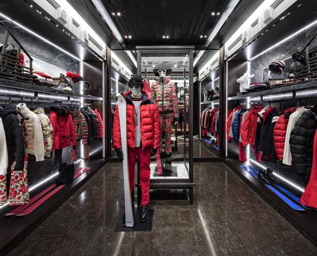moncler stores in canada