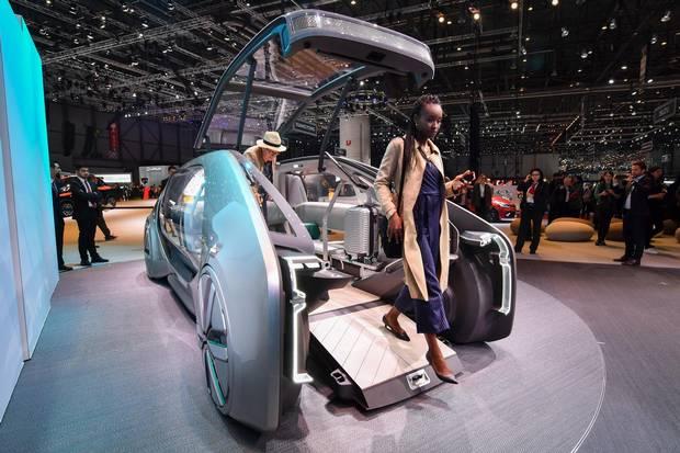 Renault EZ-GO autonomous urban concept car.