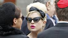 Kelly Osbourne arrives at Golders Green Crematorium with other mourners for the funeral of British singer Amy Winehouse, in north London July 26, 2011. (STEFAN WERMUTH/STEFAN WERMUTH / Reuters)