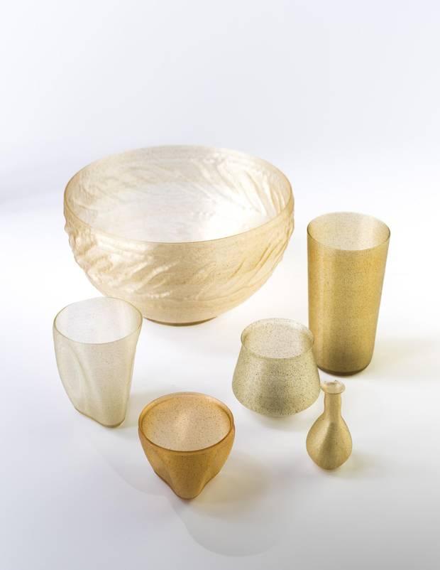 Examples of Eric Klarenbeek's algae-based decor items.