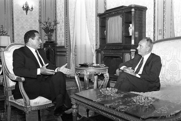 Egyptian president Hosni Mubarak meets with Mr. Peres, then Israel's prime minister, in Alexandria on Sept. 11, 1986.