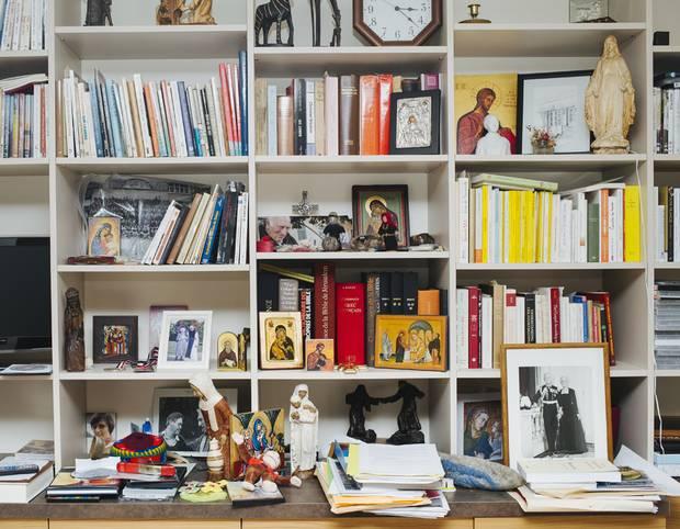 Jean Vanier's books and memorabilia in his living room.
