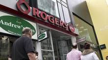 A Rogers store (Ryan Remiorz/The Canadian Press)