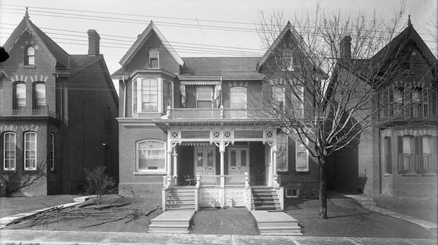 14 and 16 Glen Rd. in 1913.