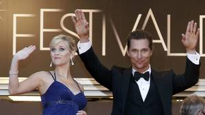 Cast members Matthew McConaughey (R) and Reese Witherspoon arrive on the red carpet for the screening of the film
