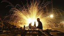Steel foundry (CHINA DAILY/REUTERS/CHINA DAILY)