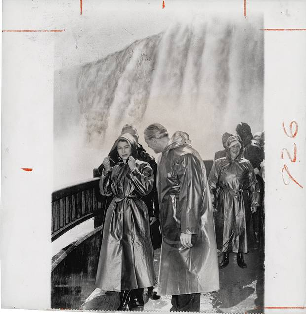 Unknown photographer for The Associated Press, [Princess Elizabeth at Niagara Falls speaking with Ernest Hawkins, mayor of the Ontario community], October 14, 1951, gelatin silver print.