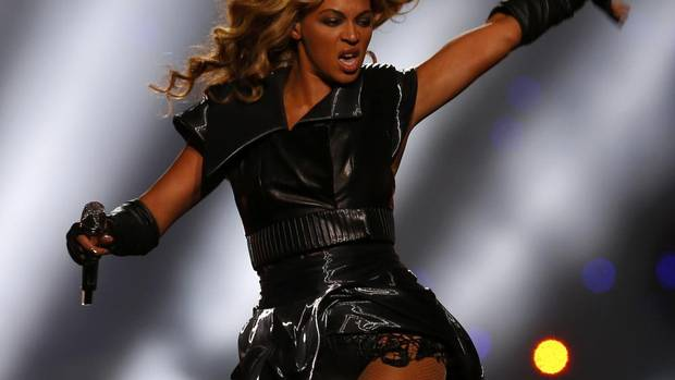 Beyonce performs during the halftime show of the NFL Super Bowl XLVII football game in New Orleans, Louisiana, February 3, 2013. (JEFF HAYNES/REUTERS)