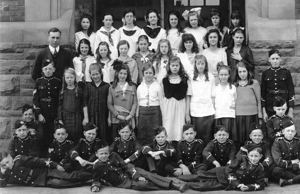 A Clinton Street Public School class photo with cadets in front, 1920.