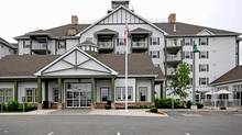The main building at Muskoka Wharf. Units will be auctioned off Dec. 04. (Evanco Homes/Evanco Homes)