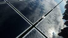 A solar panal at the Sarnia Solar Project, the largest operation photovoltaic facility in the world, in Sarnia, Ont. (DAVE CHIDLEY/The Canadian Press)