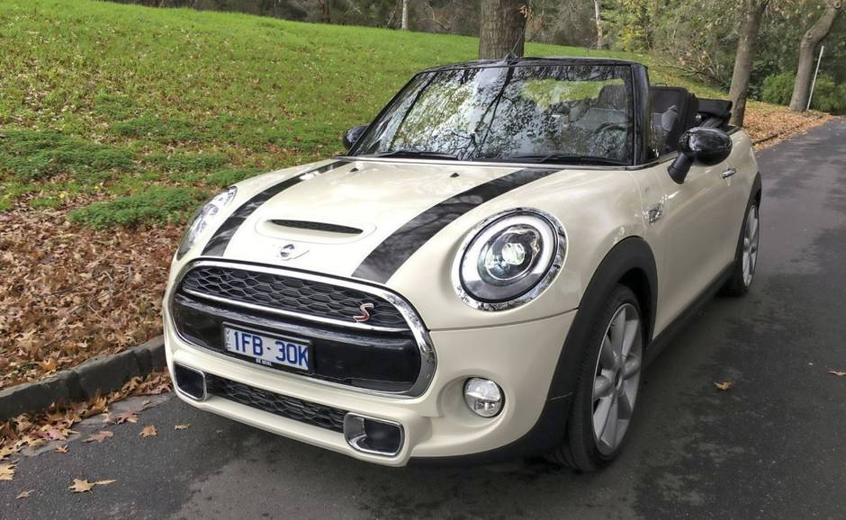 Cute Is An Unavoidable Word When Discussing The Mini Its Headlights And Curvaceous Metal Proclaim Fun Aggressive Chin Spoiler Black Racing