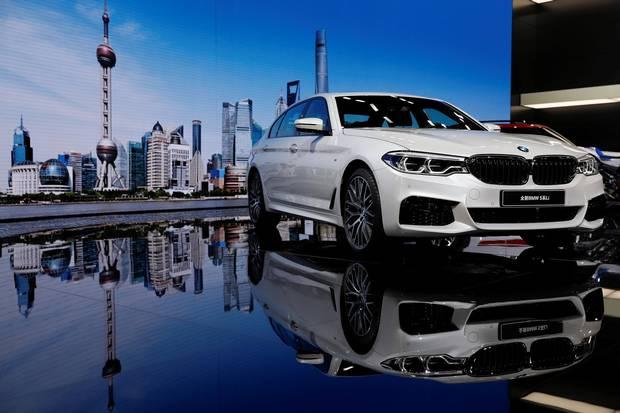 A BMW 5-Series Li.