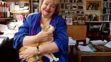 Maeve Binchy at home with friend in 2000 (Rex Features)