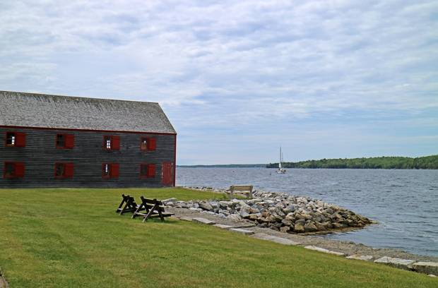 Black Loyalists escaping the United States first landed in Shelburne, Nova Scotia.