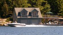 Cottage goers enjoy the Muskoka area of Ontario. (Kevin Van Paassen/Kevin Van Paassen/THE GLOBE AND)