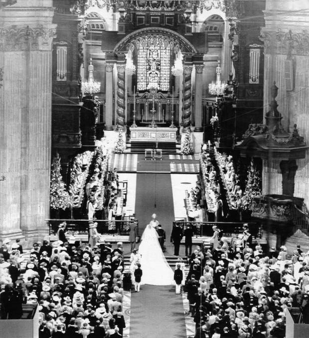 The scene inside St. Paul's Cathedral.
