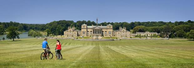 Holkham Hall is an airy Palladian palace built by the 1st Earl of Leicester more than 250 years ago. The estate includes miles of smooth sand beach, grassy dunes and salt marshes.