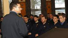 Vice-Admiral Bruce Donaldson addresses Canadian Forces members in 2010. Vice-Adm. Donaldson will be replaced as vice-chief of the defence staff by Lieutenant-Gneeral Guy Thibault. (Provided/MCpl Chris Ward)