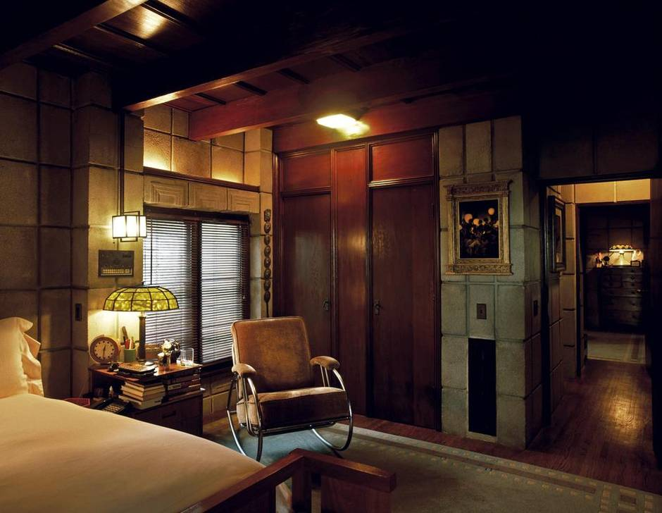 Excerpt why frank lloyd wright s interior designs never - Lloyds architecture planning interiors ...