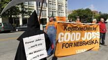 Supporters and opponents of the Keystone XL pipeline demonstrate in Lincoln, Neb. (ERIC GREGORY/LINCOLN JOURNAL STAR/ERIC GREGORY/LINCOLN JOURNAL STAR)