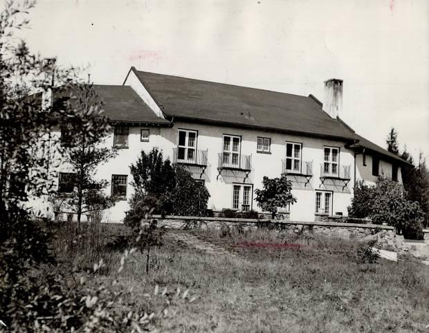 The Guild Inn in 1944.