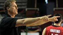 Former Canada's coach Leo Rautins has come to the defence of Syracuse assistant basketball coach Brenie Fine. (AP Photo/Martin Mejia) (Martin Mejia/AP)